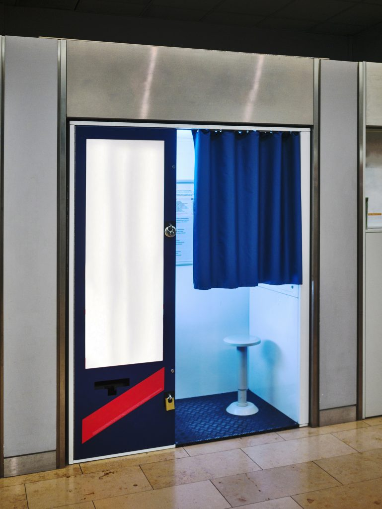 Example of enclosed photo booth
